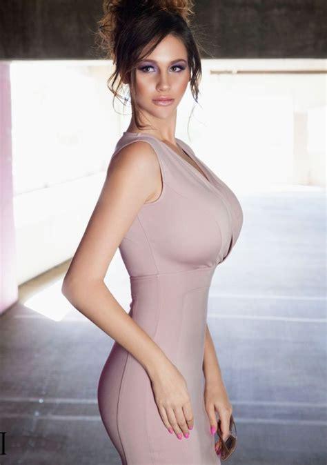 Alice Dickman  nackt
